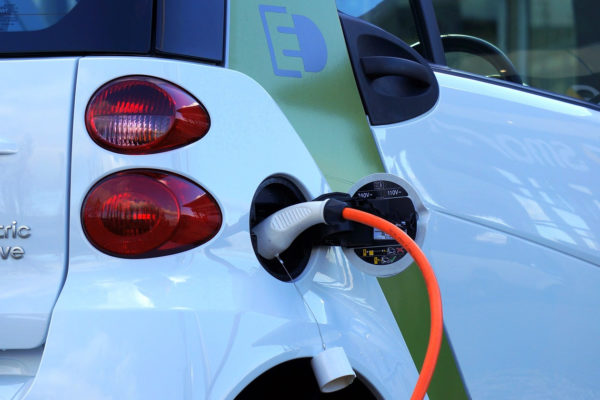 Rise of Eco-Cars Draws Attention to All-Solid-State Batteries